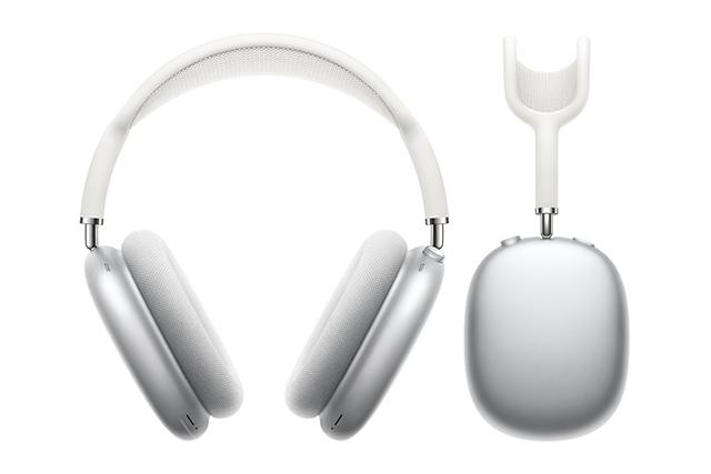 Sluchátka AirPods Max jdou dnes do prodeje, už jsou ale beznadějně vyprodaná