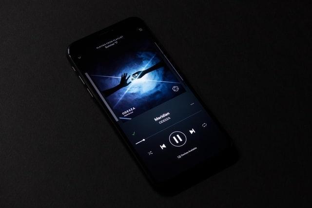 Apple umožní měnit výchozí přehrávač hudby pro Siri