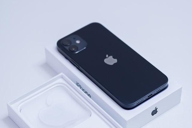 Apple přesunul výrobu iPhonů 12 do Indie