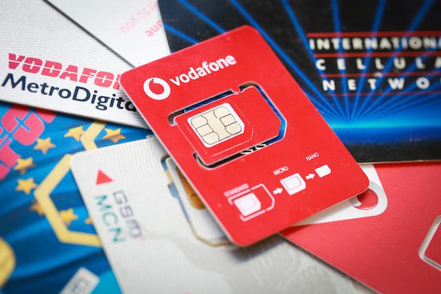 Vodafone zmenšil nosiče SIM karety: Ročně ušetří tuny papíru i plastu