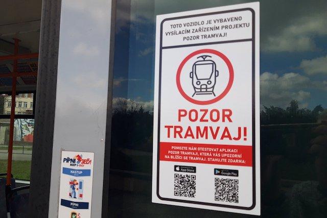 Brněnský dopravní podnik začal testovat aplikaci Pozor tramvaj!