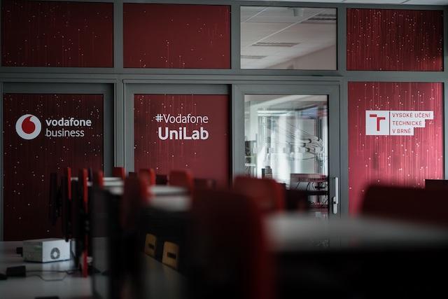 Vodafone otevře laboratoř 5G sítí #VodafoneUniLab