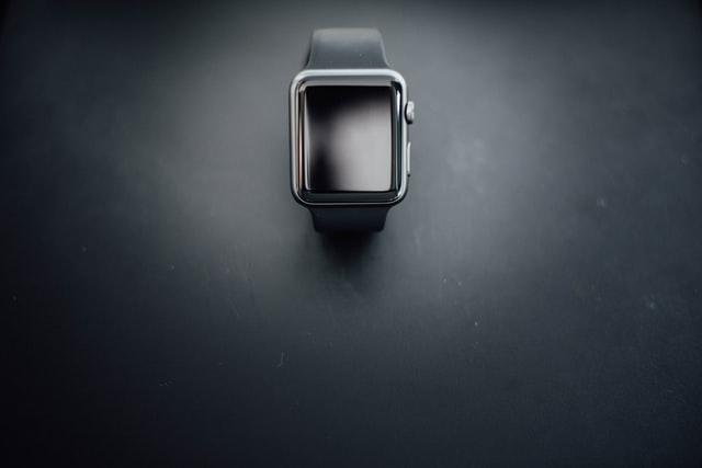 Apple Watch 7 budou mít nový design