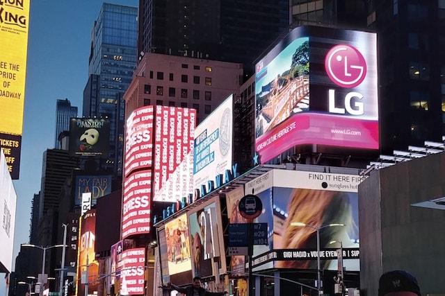 LG bude místo vlastních telefonů prodávat iPhony