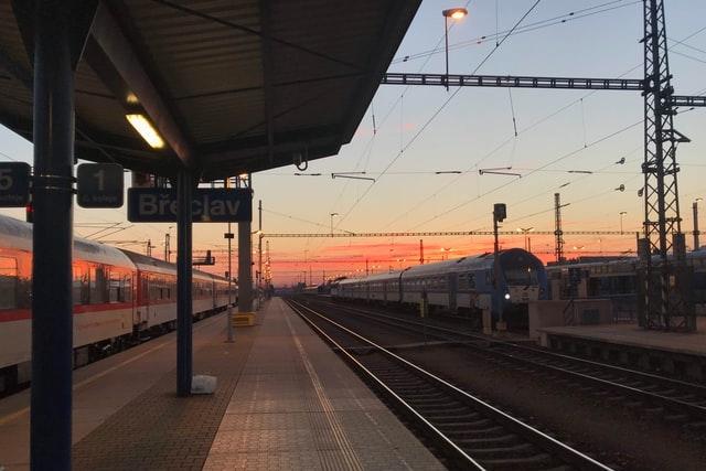České dráhy zlepšují dostupnost signálu ve vlacích, nasadí soupravy s propustnějšími okny
