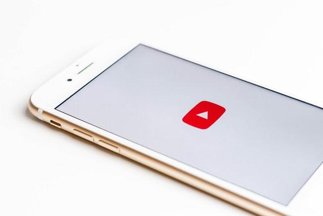 YouTube začal testovat stahování videí do počítače
