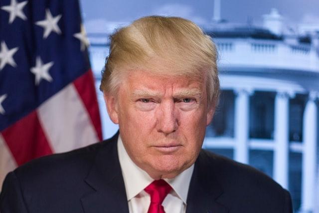 Trump se bude soudit s Twitterem, chce zpátky svůj účet