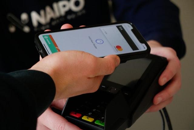 Apple se dostal do hledáčku Evropské komise kvůli NFC platbám