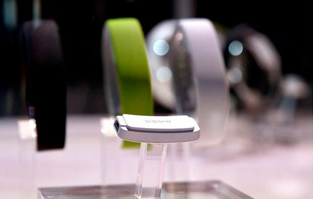 Smartband od Sony